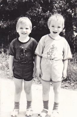 Rein (vasakul) koos vennaga foto: erakogu