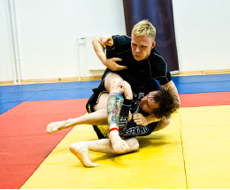 Tõll Simson ja tema vastane Aleksandr Jevonen  Foto: Mardo Männimägi