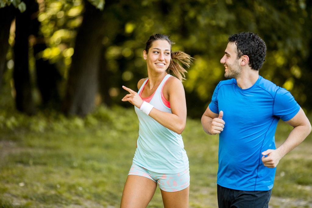 Kui suudame treeningu ajal kaaslasega juttu ajada, siis on tempo aeroobsete mehhanismide arendamiseks sobiv. Foto Goran Bogicevic/Shutterstock.com