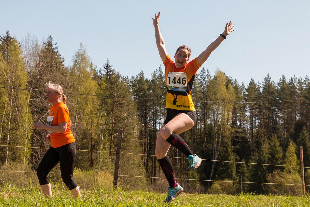 Peamine on oma tegevusi nautida, nii nagu teeb seda vallatu neiu Tartu Jooksumaratonil! Foto Kaimo Puniste