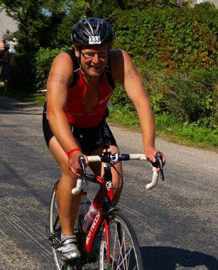 Jalgrattal on Contra läbinud nii postiringe kui rahvaspordivõistlusi. Foto Grete Krüger/Sportfoto.com