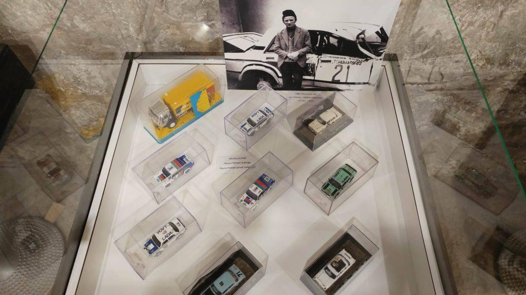 Automudelid näitusel