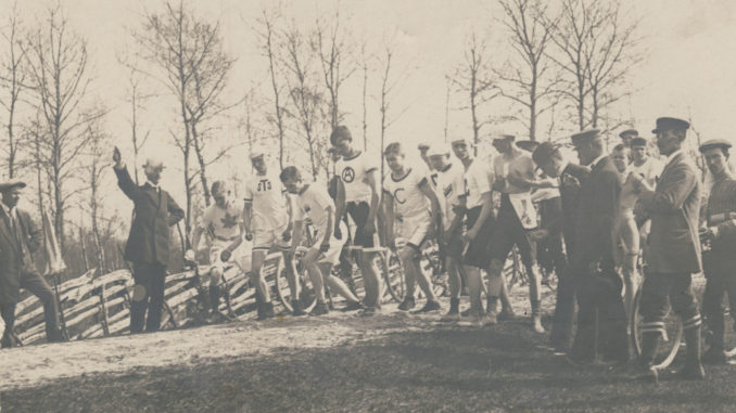 Esimese Paldiski-Mustjõe maratonijooksu start 28. aprillil 1913. aastal.