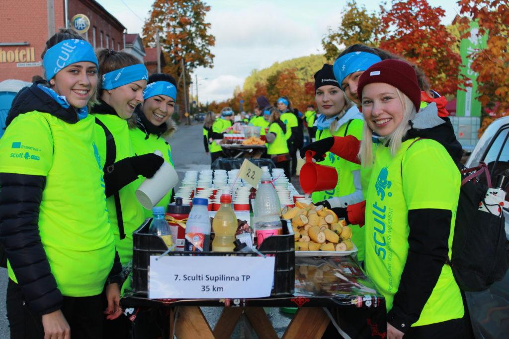Vabatahtlikud Tartu linnamaratonil
