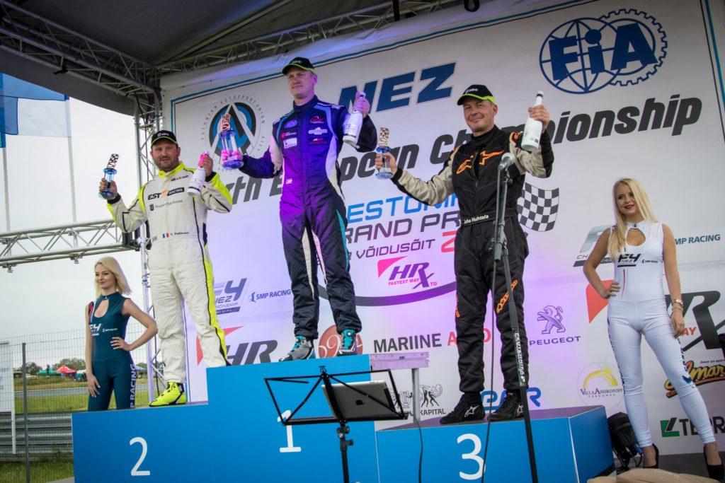 Vasakult - Thomas Padovani, Andre Kiil, Juha Huhtala
