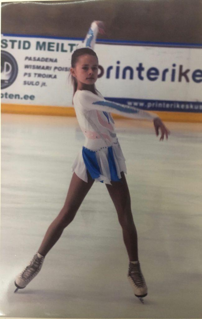 10-aastane Triin oma uisukarjääri alguses Foto erakogu