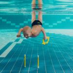 Neli põhjust, miks laps peaks varakult ujuma õppima