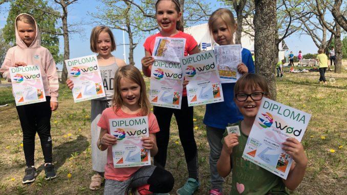 Tallinna kooliõpilased orienteerumispäeval Merimetsas (Foto - Avatud Kool)