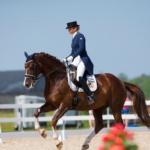 Suve kuumimal päeval jagati Perilas Eesti meistrivõistluste medaleid ratsutamise koolisõidus