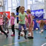 Tüdrukute jalgpallifestivalid kaasavad üha enam lapsi