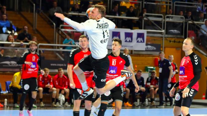 Eesti koondise kapten Martin Johannson viskel mängus Luksemburgi vastu. Foto: Helin Potter