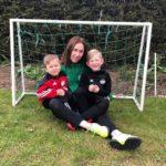 Emad jalgpallis: meister kodus ja jalgpalliväljakul