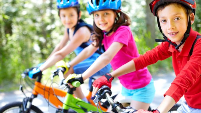 Laps ja jalgratas
