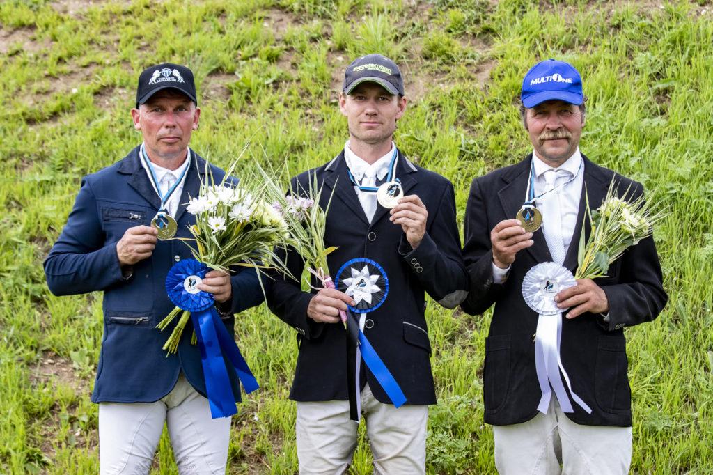 EMV medalikolmik, vasakult Hõim, Kallas, Kaasiku